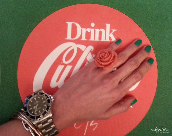 08_yuriAhn_fashion_editor_swide_love_neon_colour_theStylistme