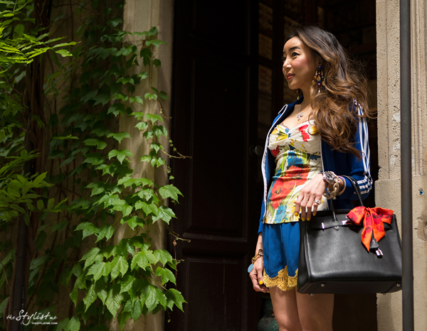 01_yuriAhn_theStylistme_sporty_chic_flower_print_dolce_and_gabbana_styling_tips