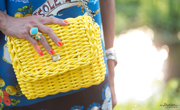 02_yuriAhn_theStylistme_wearing_dolce_and_gabbana_ss13_sicilian_folk_summerstyling_tips_photographer_Marcello_Tomasi