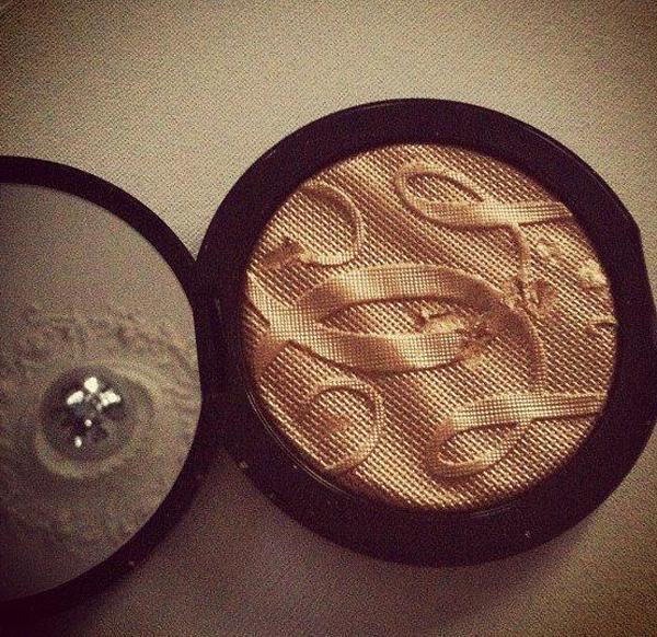 05-terracotta-guerlain-suninthecity-goldenshimmerpowder--yuriAhn-theStylistme-beauty-makeup-tips-tanning-tips-for-golden-summer-makeup-for-body-and-face