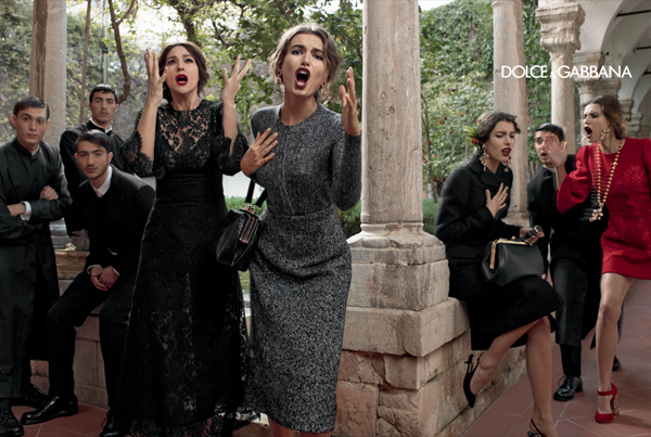 dolce-and-gabbana-fall-winter-2014-women-campaign-photos-monica-bellucci-black-lace