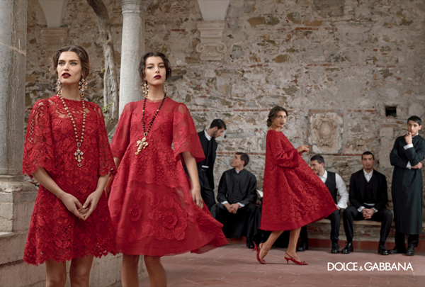 dolce-and-gabbana-fall-winter-2014-women-campaign-photos-red-dress