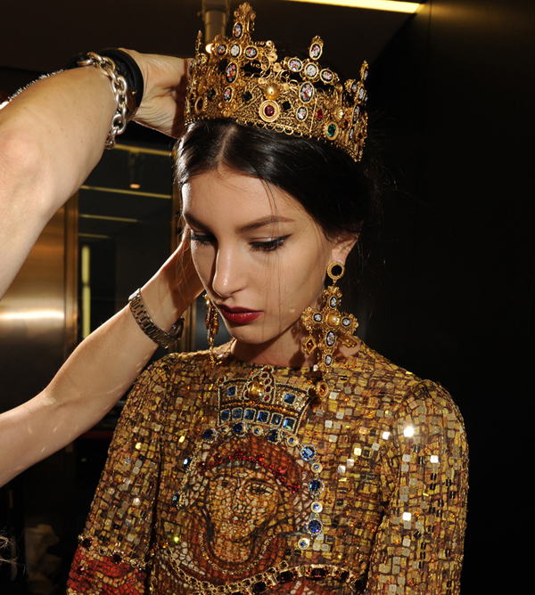 dolce-and-gabbana-womenswear-collection-FW-2014-fashion-show-backstage-photogallery-kate