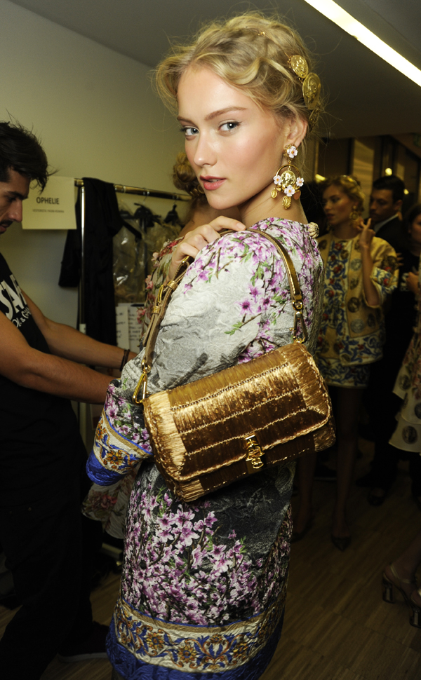 dolce-and-gabbana-ss-2014-women-fashion-show-backstage-03
