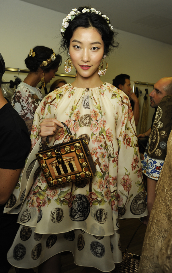 dolce-and-gabbana-ss-2014-women-fashion-show-backstage-04