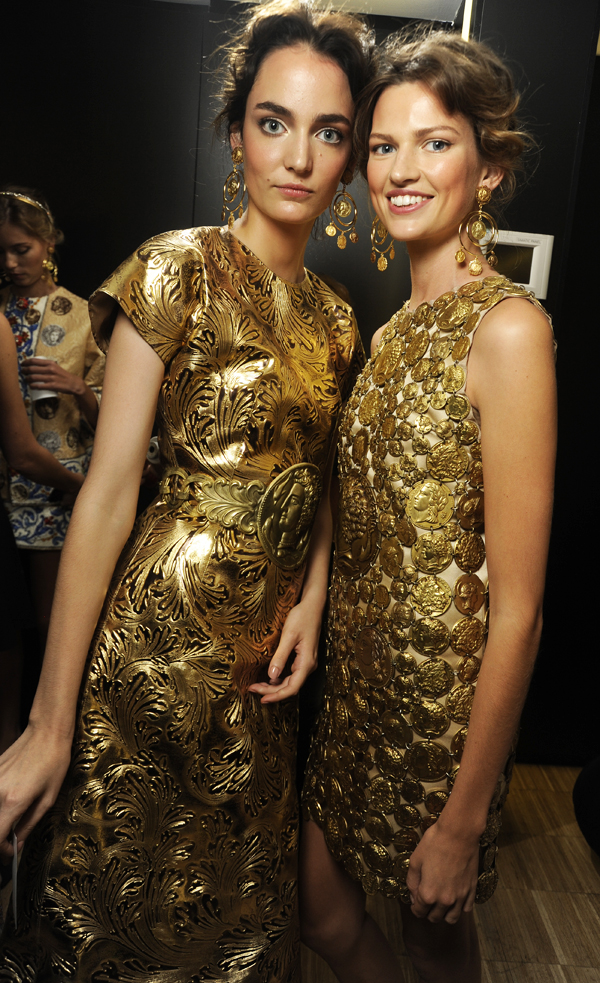 dolce-and-gabbana-ss-2014-women-fashion-show-backstage-07