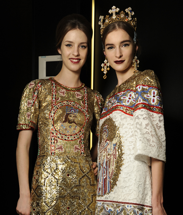 07_dolce-and-gabbana-fw-2014-women-fashion-show-backstage