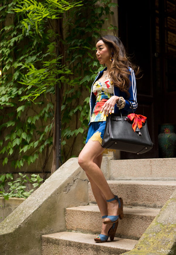 06_yuriAhn_theStylistme_sporty_chic_flower_print_dolce_and_gabbana_styling_tips