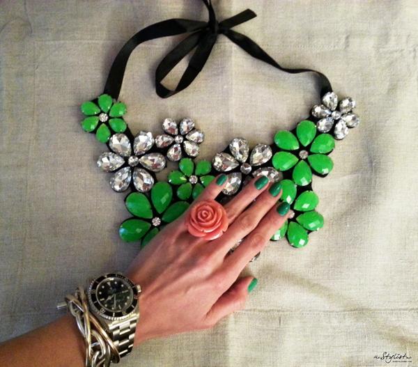 14_yuriAhn_fashion_editor_swide_love_neon_colour_theStylistme