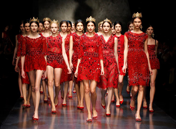 12-red-lace-dolce-gabbana-fw-2014-collection-for-new-years-eve-2014
