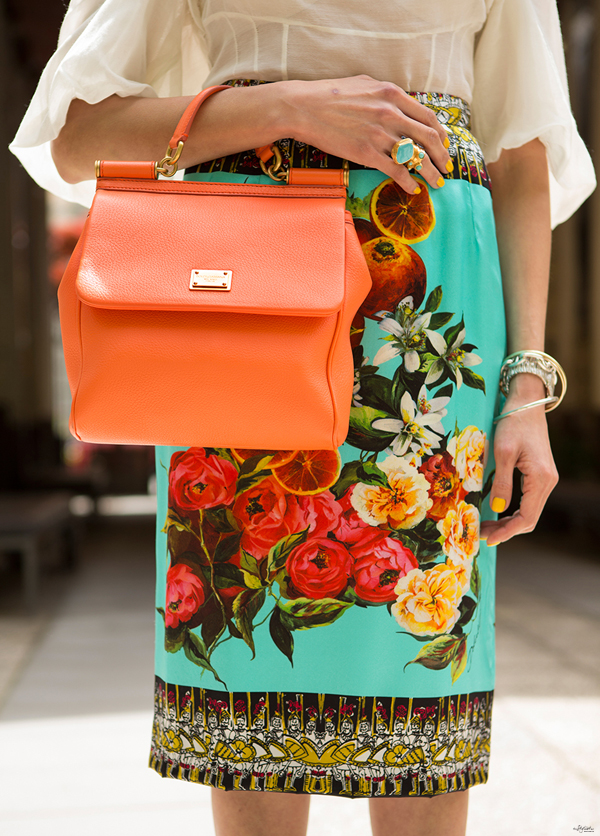 04-YuriAhn-theStylistme-love-sicilian-ispired-flowers-fruits-dolce-and-gabbana-foulard