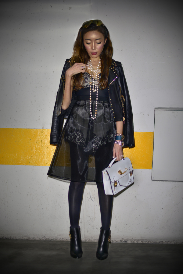 02-YuriAhn-theStylistme-pretty-in-punk-mfw-Versus-Dolce&Gabbana