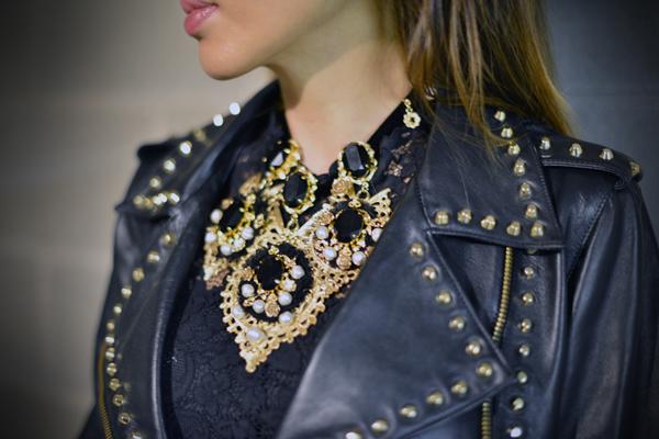 05-YuriAhn-theStylistme-pretty-in-punk-mfw-Versus-Dolce&Gabbana