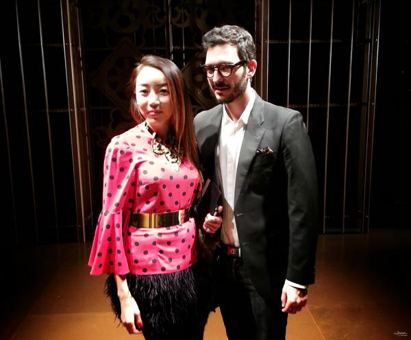 06-YuriAhn-theStylistme-wearing-sensual-polkadot-top-dolce-and-gabbana-SS14-mfw-versace-women-fashionshow-fw14-600