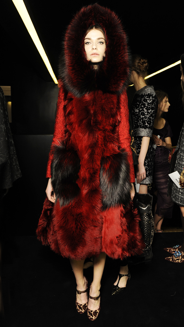 10-Dolce-and-Gabbana-fall-winter-2014-2015-womens-fashion-show-fur