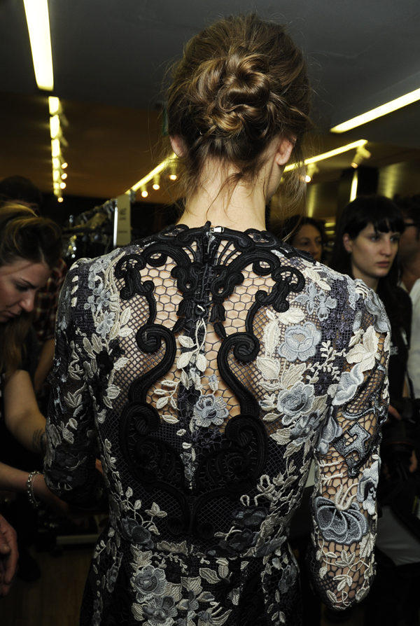 10-Dolce-and-Gabbana-fall-winter-2014-2015-womens-fashion-show-texture-details-backstage