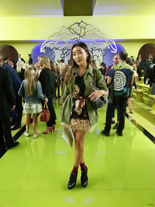 _11-yuriAhn-theStylistme-My-birthday-celebrate-milan-fashion-week-versace-fashionshow