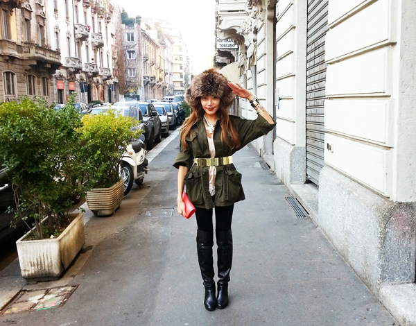 _12-YuriAhn-theStylistme-shres-military-inspired-look-simply-seductive