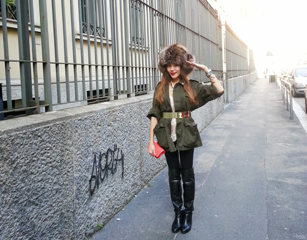 _13-YuriAhn-theStylistme-shres-military-inspired-look-simply-seductive