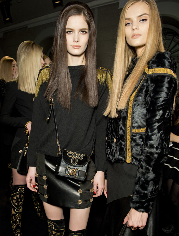 14-Versace-woman-fashion-show-FW14-Musthave-Signature-bag