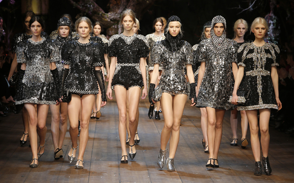 20-Dolce-and-Gabbana-fall-winter-2014-2015-womens-fashion-show-Final-600